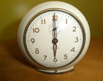Vintage 1960's Baby Ben Wind Up Bedroom Alarm Clock