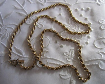 Vintage Monet Gold Tone Chain Necklace