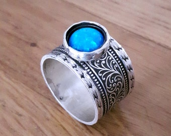 Stunning Ornamented 925 Sterling Silver Opal Ring