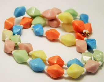Vintage pastel glass bead necklace. Pink blue and yellow beads
