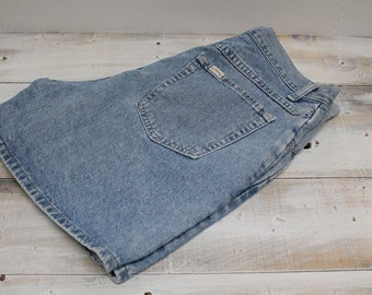 Vintage High Waist Lee Riders Jean Shorts