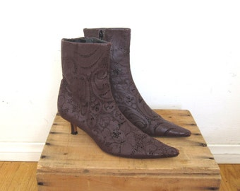 90s Pointed Toe Fitted Ankle Cognac Lace Leather Italian Kitten Heel Boots by Emma Hope Size 7