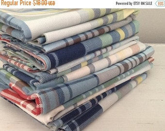 Fall Sale Vintage Sheet Fat Quarter, Quilting Bundle, Baby Fabric, Blue Plaid Fabric