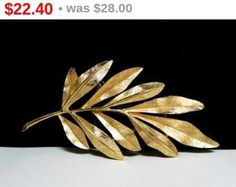 Trifari Leaf Brooch - Vintage Trifari Pin - Fall Goltone Leaves Pin-  Autumn Brush Gold Leaf Pin - Satin Finish - Classic Designer Signed