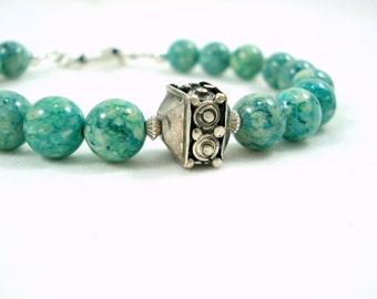 Beaded Green Bracelet Bali Sterling Silver Bracelet Rustic Ethnic Jewelry Boho Bohemian Exotic Bracelet Vert Gift Idea