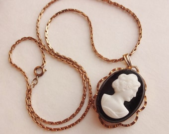 1950s Cameo Locket in Gold Filled