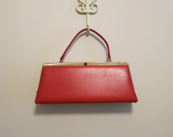 Handbag MOD bright RED vinyl 1960s wide frame clutch bag with gold clasp