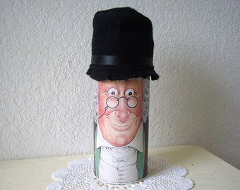 "Rare Collectible Scooge Canister.  10"" Tall  x 13"" Round  Plus 4"" Hat."