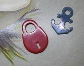 Vintage Bakelite & Plastic Figural Button Charms Padlock and Anchor