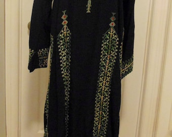 Vintage Hand Embroidered Middle Eastern Boho Caftan Hippie Woodstock Dress