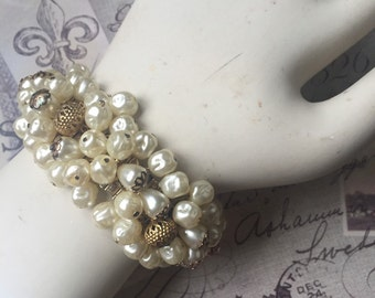 Vintage Expandable Faux Pearl Beaded Bracelet, Cha Cha Bracelet, Estate Jewelry