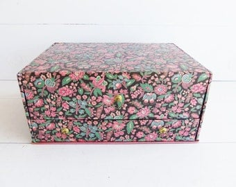 Vintage Singer Sewing Box.  Fabric Storage Box  with Drawer