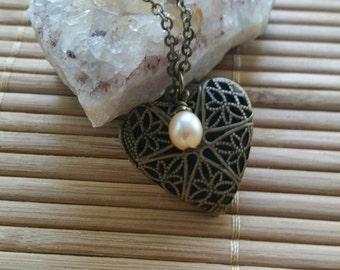 Forever In My Heart Locket Necklace in Aged Brass w/Champagne Fresh water pearl-photo-treasure-Love-romance-keepsake-memory-Chic-Folk
