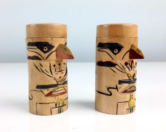 Alaskan Salt and Pepper Shakers / S and P / Wood Totem Pole Design