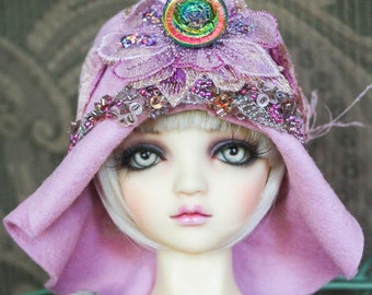 "Pink Felt ""Constance"" Flapper Hat With Irridescent Rose Button For Ball Jointed Dolls"