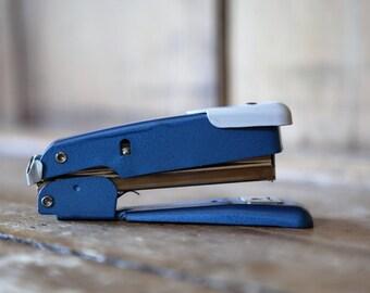 Vintage Stapler / Blue Arrow M25 / Office Desk Supplies / Excellent Condition