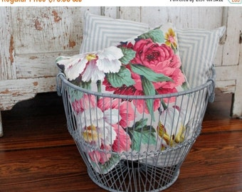SHOP SALE Vintage Wire Clam Harvest Gathering Basket