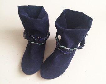Boots Booties in Navy Blue Leather with Colored Leather Braided Belts