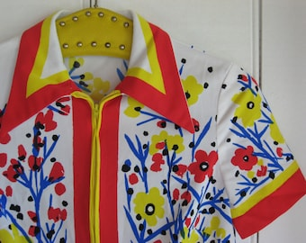 Vera Neumann vintage silky polyester half zip up top primary colour floral yellow red blue on white women's S/M