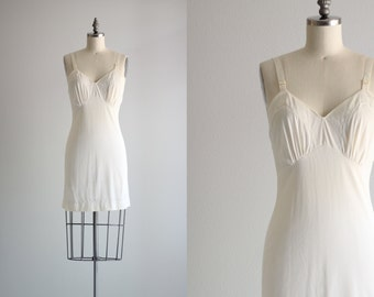 Vintage Slip . Womens Retro Undergraments . White Full Slip