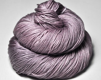 Rose which must not be named - Merino/Silk Fingering Yarn Superwash
