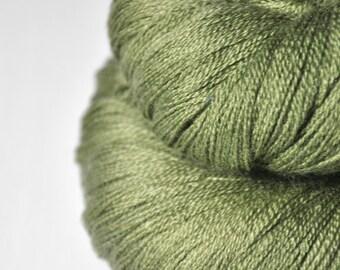 Rotten pistachio cream macaron - Merino/Silk/Cashmere Fine Lace Yarn
