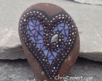 Lavender Mosaic Heart, Mosaic Garden Stone, Gardner Gift, Garden Decor, Mosaic Rock
