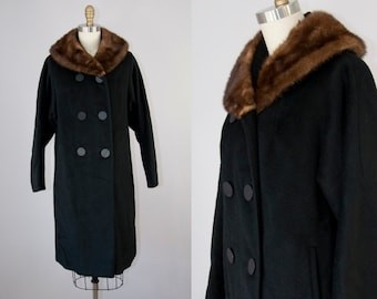 1960s Vintage Black Wool Mink Fur Collar Coat. 60s Winter Mod Jacket (S, M)