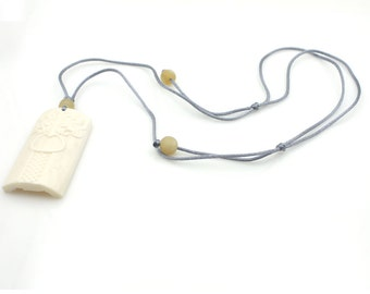 Fashion Style Ox Bone Bead Pendant Necklace 60mm*31mm  N000-NG005