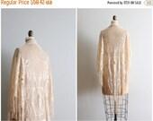 20% SALE vintage 70s ecru silky rayon shawl - modern flapper piano shawl / Antique Cream - 70s lacey evening shawl / bridal shawl - 1920s we