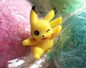 POKEMON PIKACHU Surprise Bath Bomb with Toy Inside! Pokemon GO Party Favor Idea Bath Fizz - Lush Bath Candy Fun! ピカチュウ Pokémon ポケモン Pokémon