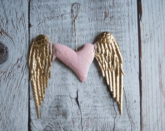 Shabby Romantic Distressed Pink Gold Heart Wall decor Art Hanging Wings Angel Feather Decor