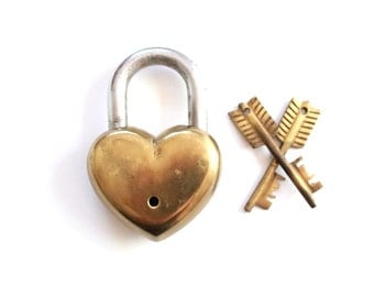Wedding Gift Heart Padlock with Arrow Key vintage heart lock skeleton key love lock shabby chic wedding decor rustic wedding gifts
