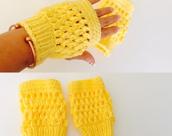 Crochet Fingerless Gloves, Yellow, Romantic, Woman, Hand Made in the USA, Item No. DeBg09