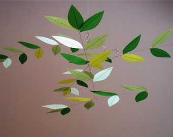 Nursery-Size Mini Modern Leaf Mobile Moon Lily Mobile