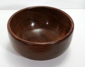 Bowl, walnut