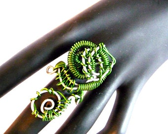 Knuckle Ring, Bohemian ring, Shield ring, Long ring, armor ring, green ring, wire ring, wire wrapped ring, big ring, contemporary ring,