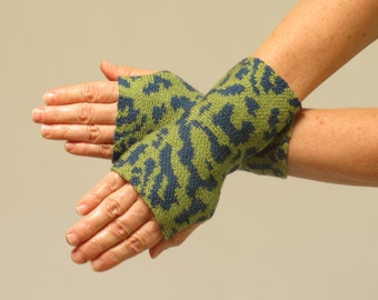 Merino Wool Wrist Warmer Fingerless Gloves, Green and Blue