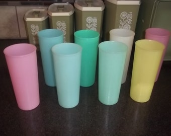 Uncle Si Tupperware Glasses Tumblers - Very Slightly Used -eight (8)- 16 oz Pastel Opaque -Duck Dynasty Uncle Si Glasses