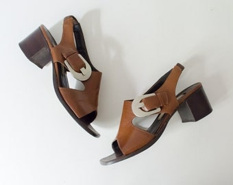 vintage brown leather sandals / chunky heel sandals / giant silver buckle / Enzo Angiolini / 6.5