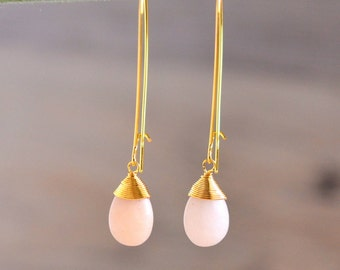Pale Peach Drop Earrings. Simple Dangle Earrings. Long Earrings. Simple Earrings. Bridesmaid Gift.  Wedding Jewelry. Peach Jewelry. Bridal.