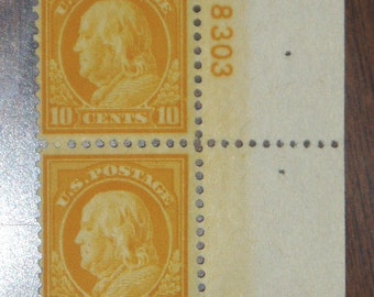 USA Postage Stamp #510 Pair, 10c Yellow Franklin,