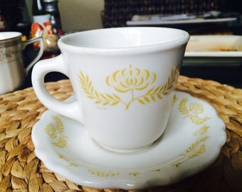 Trentwood Cute Retro Eclectic Maize Tea Cup and Saucer