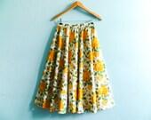 Vintage floral skirt bright bold print / multicolor / summer skirt / rockabilly / full circle / 50s 60s / high waist / midi / small medium