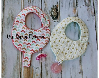 8x14 ( 200mm x 360mm) Quilted Pacifier Binky Paci Bib -In The Hoop Embroidery Design - INSTANT DOWNLOAD