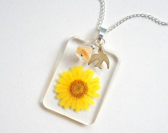 Yellow Daisy, Bell Flower, and Bird - Real Flower Garden Necklace -  botanic jewelry, pressed flower, natural, Nature inspired, modern, ooak