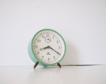 French vintage green clock vendette clock. Vintage 1960. Metal alarm clock. Loft deco. Desk accessory. Clock 60s
