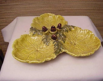 Vintage Italy Italian Art Pottery Divided Bowl Acorn Leaf Majolica