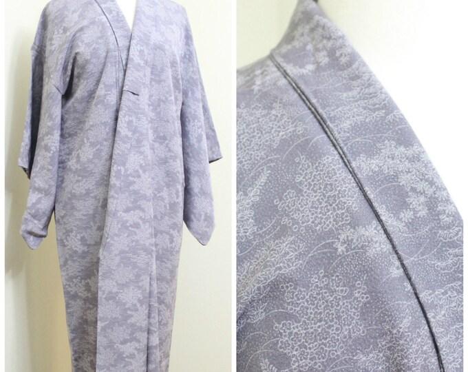 Superior Silk Kimono. Vintage Japanese Robe. Lilac White Floral  (Ref: 024)