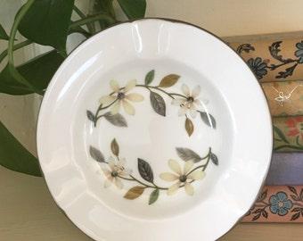 WEDGWOOD bone china BEACONSFIELD  ASHTRAY
